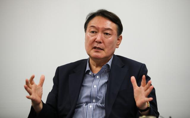 不当言论不断 韩总统候选人尹锡悦支持率被反超