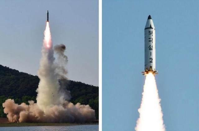 """由""""北极星-1""""潜射导弹改进而来的""""北极星-2""""发射画面,注意其格栅式尾翼 图源:朝中社"""