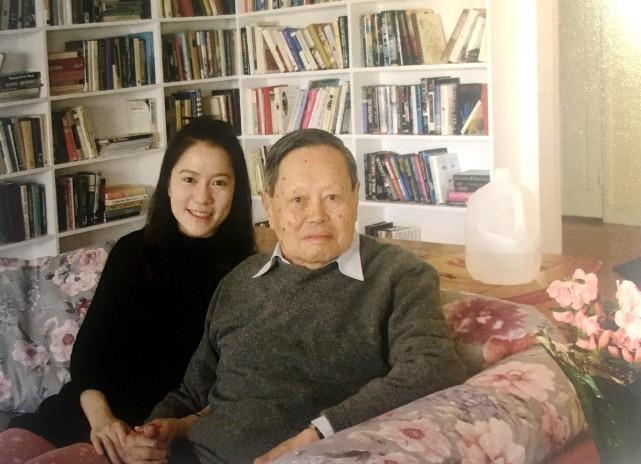 杨振宁百岁生日 娇妻翁帆写长文公开17年婚姻细节