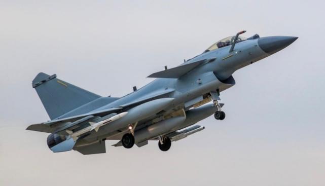 美媒:歼10C是世界最强单引擎战机?巴铁有望引进?