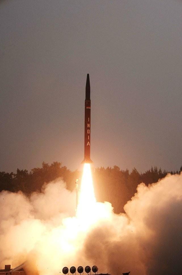 """印度将试射改进型""""烈火 I""""弹道导弹"""