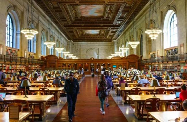 纽约公共图书馆内景。图片来自纪录片《书缘:纽约公共图书馆》。