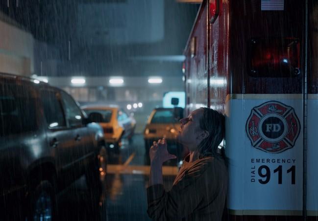 年度悬疑爆款《隐形人》突破惊悚极限 带来大银幕沉浸式体验