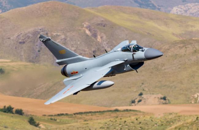 歼-10C到底能否扛得住印度阵风