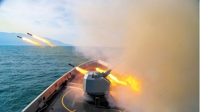 台媒关注:解放军在三大海域实弹演练