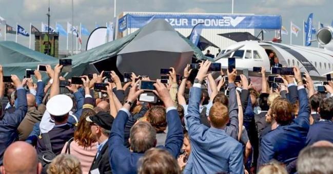 欧洲下一代战斗机FCAS模型在2019年巴黎航展揭幕 法新社图