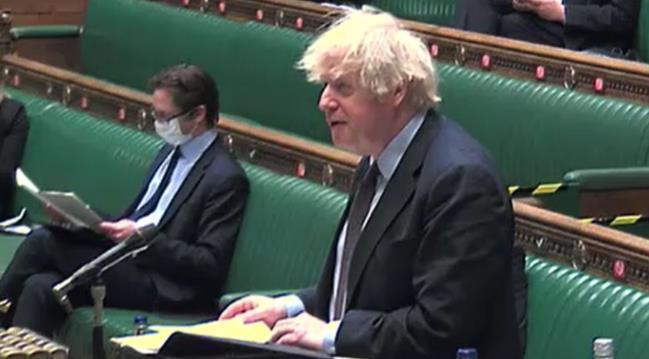 """英国首相:对中国进行""""新冷战""""是错误的"""