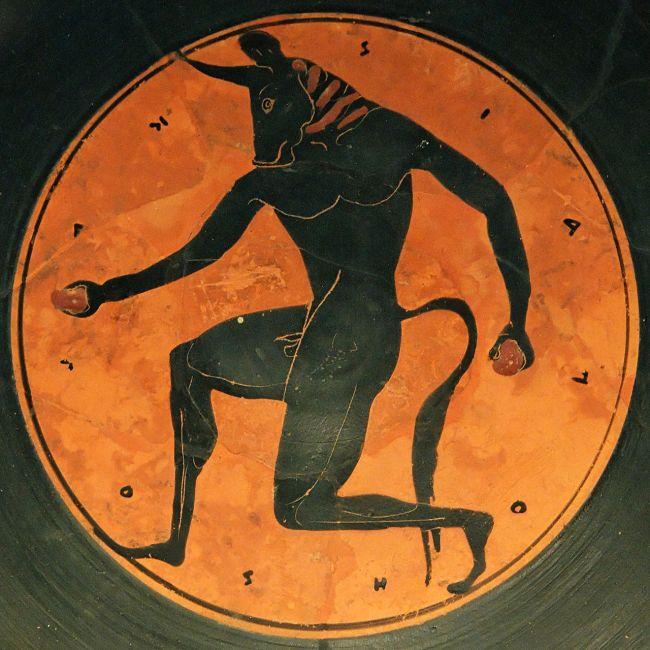 一只基利克斯陶杯上的弥诺陶洛斯浮雕