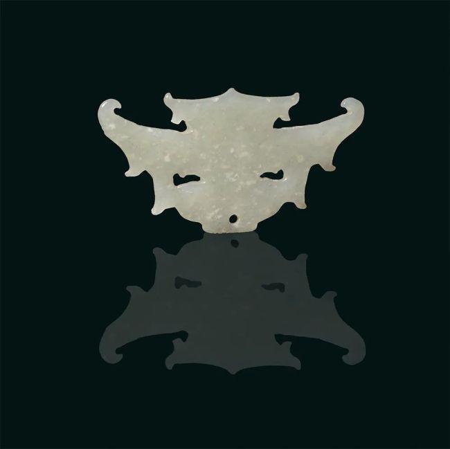 玉神面新石器时代长6.5厘米,宽3.3厘米山西省临汾市襄汾县陶寺遗址出土山西博物院藏