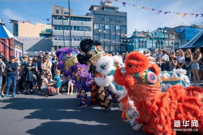 新西兰举办规模空前的惠灵顿街头艺术节