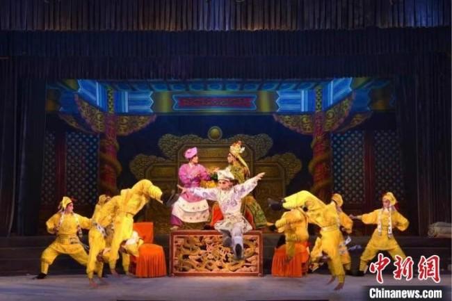 吴川市粤剧团演出现场 受访者供图