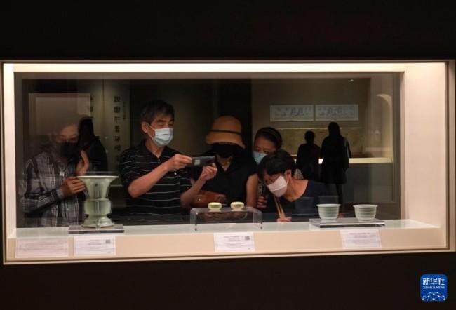 """""""高山景行——上海博物馆受赠文物展""""开幕"""