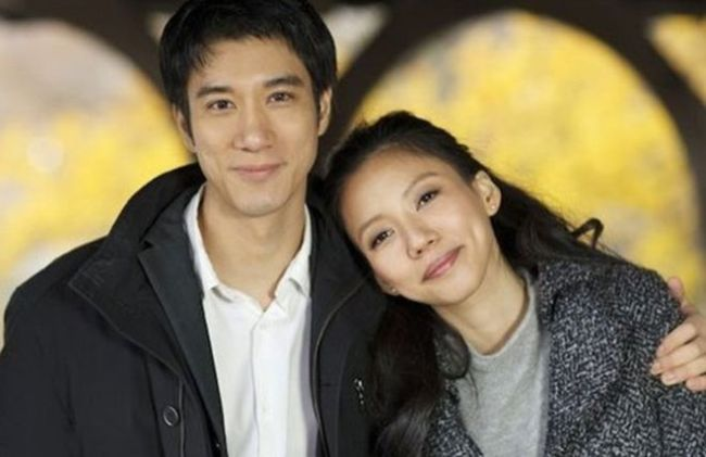 忘年恋!王力宏56岁岳母与83岁富商约会 甜似初恋