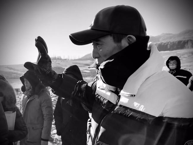 """张艺谋导演新作聚焦抗美援朝开拍在即 三年四部戏堪称""""劳模"""""""
