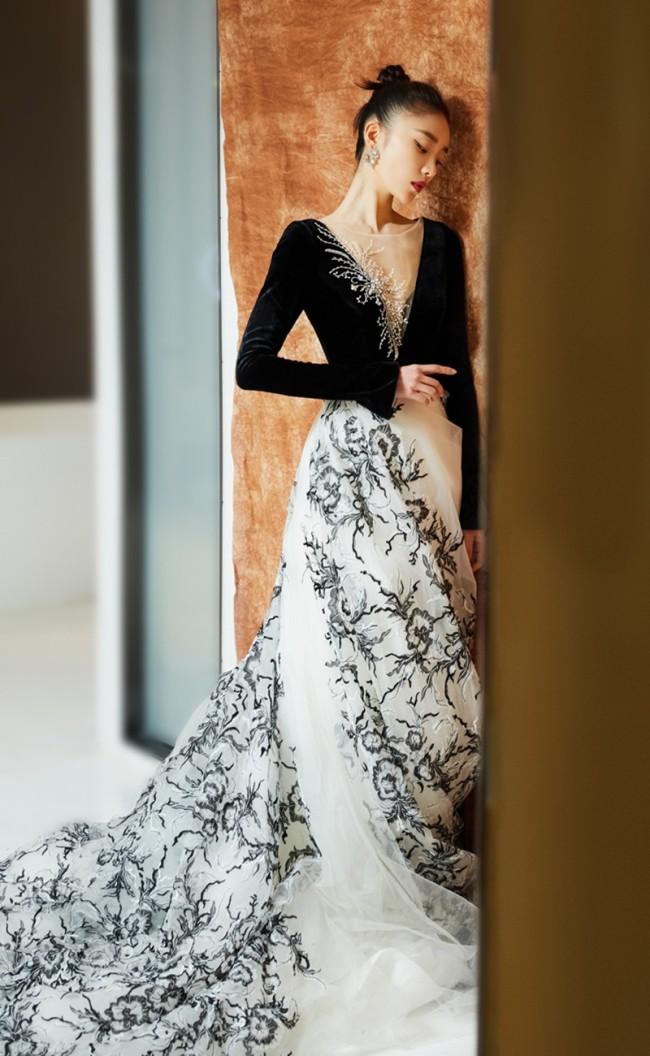 张月出席精品风格云盛典 展现超强时尚表现力