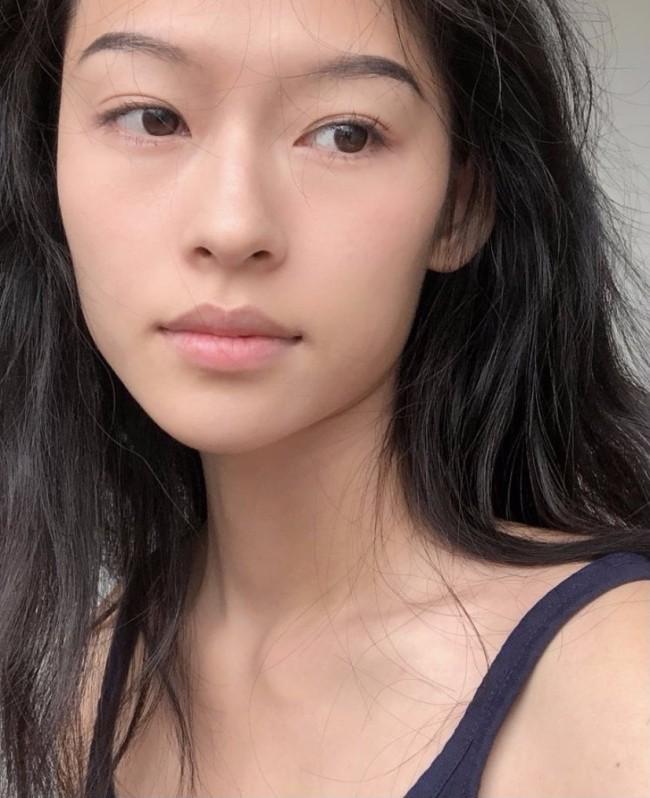 越南模特撞脸章子怡 侧脸神似张柏芝