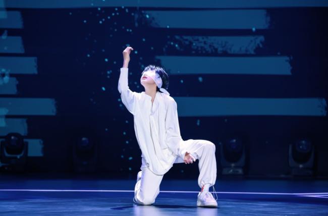 金鹰卡通《跳舞吧!少年》来拜年 李子璇扮八戒吸引人气舞者