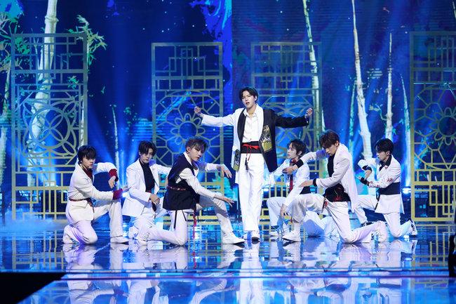 东方卫视《新春潮乐会》节目单出炉 潮乐家族梦幻同框颠覆小年夜