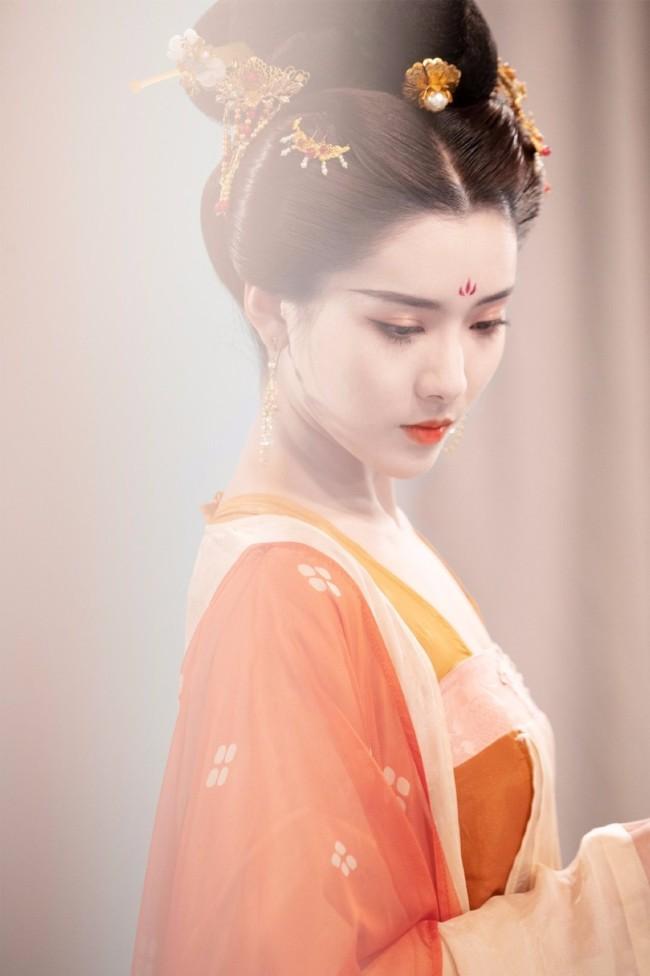 《我的刺猬女孩》第二季 天爱出演韩菲演绎带刺青春