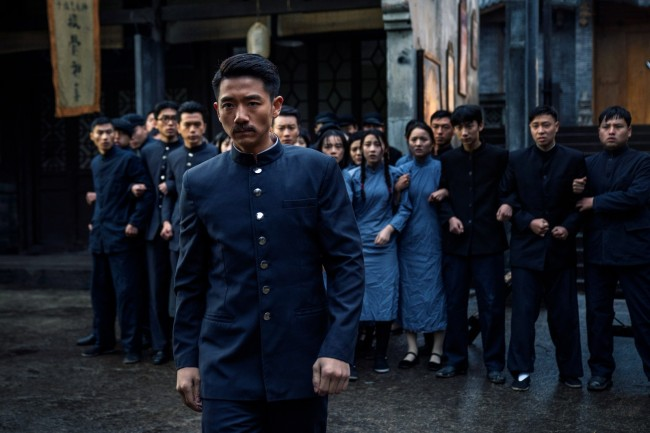 电影《青春之骏》首映 燃起北京党史学习新热潮