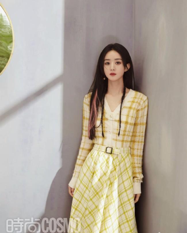 赵丽颖离婚后拍夏日大片 长发及腰温柔可