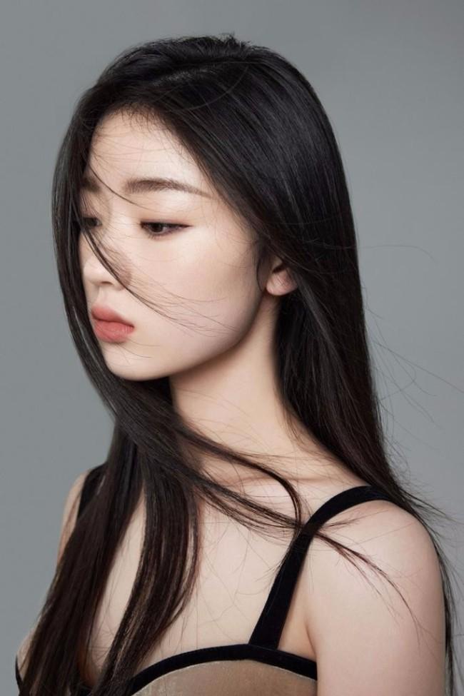 周兴哲与单依纯合作《爱我的时候》MV浪漫上线