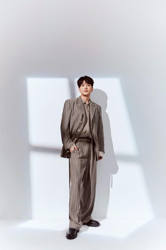 王仁君质感时尚大片释出 简约有型表现力十足