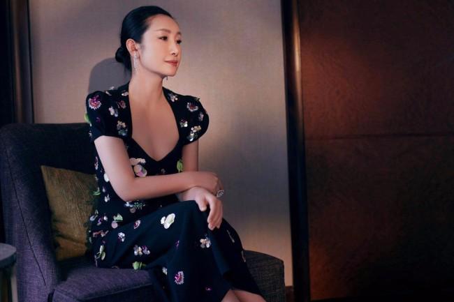 秦海璐出席第27届上海电视节荣耀之夜