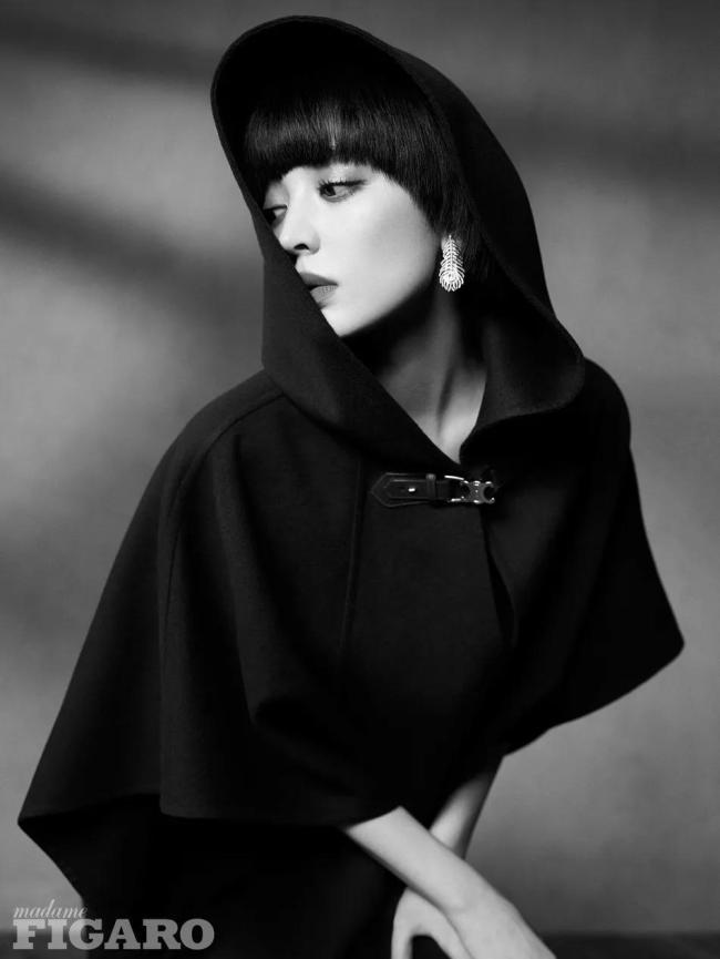 29岁古力娜扎酷飒短发 异域浓颜凸显性感靓丽