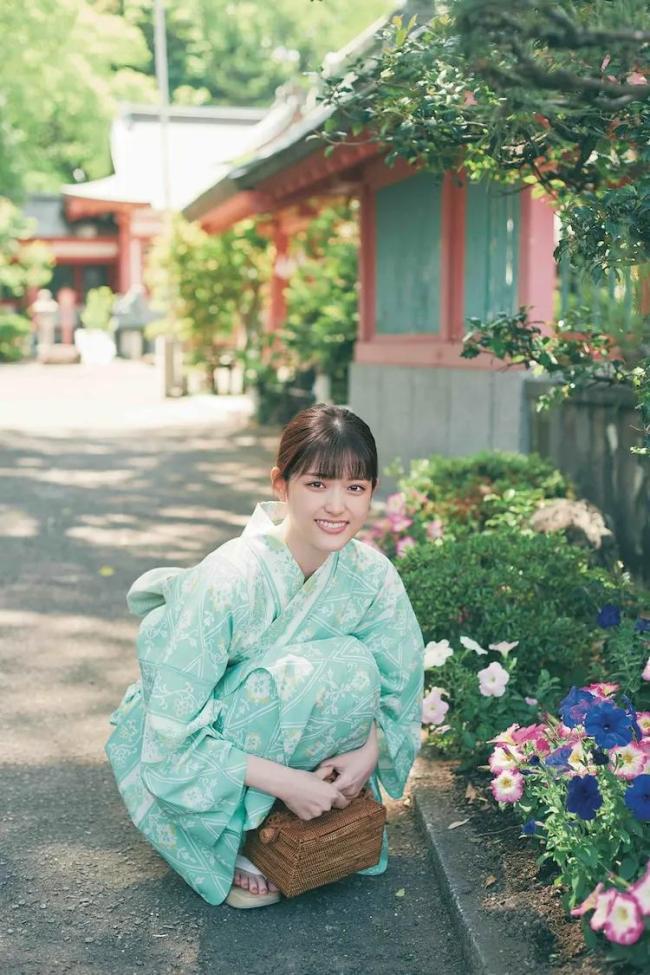 女星白石麻衣客串松村沙友写真 双女同乐太惊艳