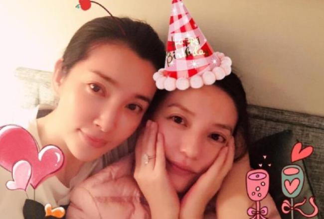 赵薇作品被多平台除名 杨幂李冰冰等删掉与其合影
