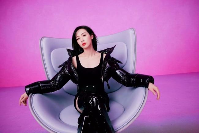 宋茜出席全球时尚大秀活动