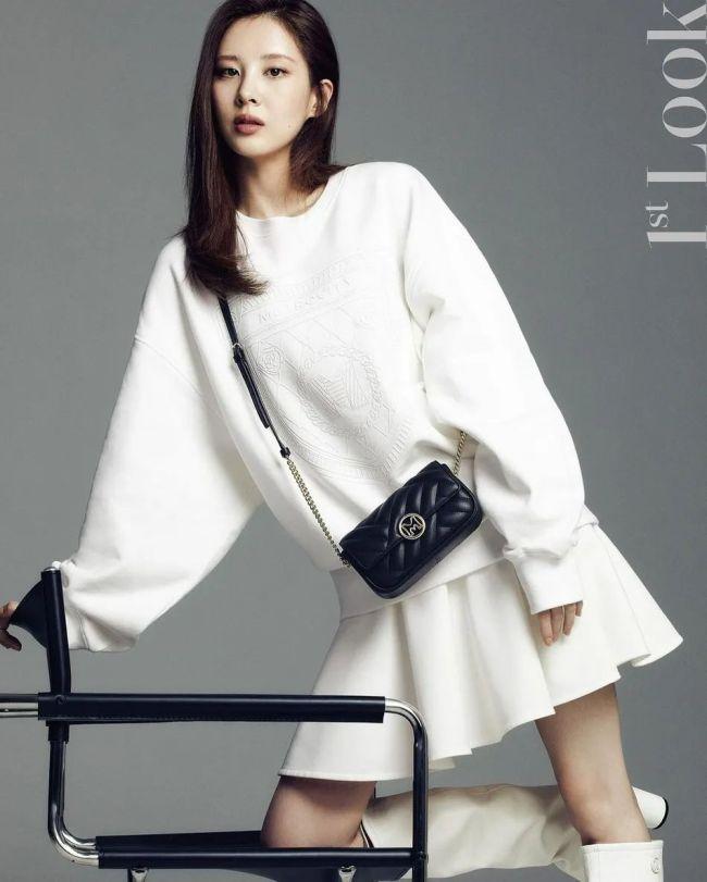30岁女星徐贤小露性感 冰清玉洁暧昧撩人