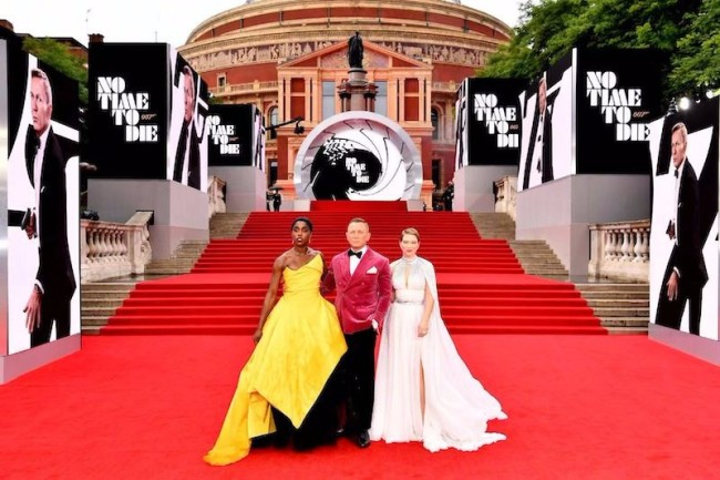 《007:无暇赴死》全球首映举行 开局评分创新高