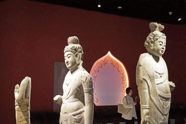 郑州博物馆新馆于四月三十日正式开馆