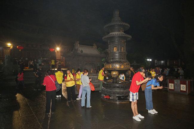 普济禅寺六月十九观音香会进香活动安全有序