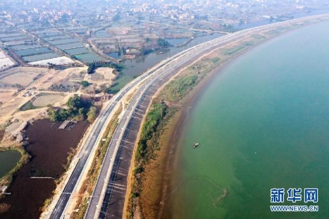鹤山市西江大堤加固及环境整治工程建成通车 改善沿岸旅游环境