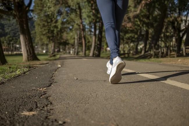 HMB观察:中老年人腿脚不好,肌肉和钙哪一个更重