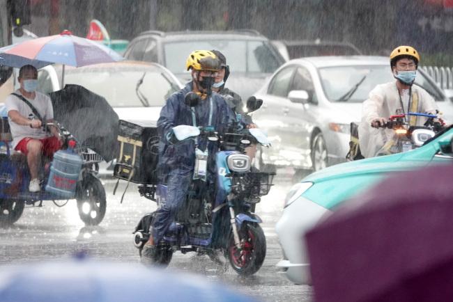 广州严查外卖行业电动自行车交通违法 全力加强电动自行车综合治理