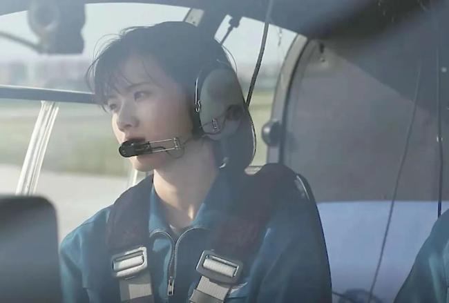 考核满分!她成为陆军首个初放单飞的女飞行学员