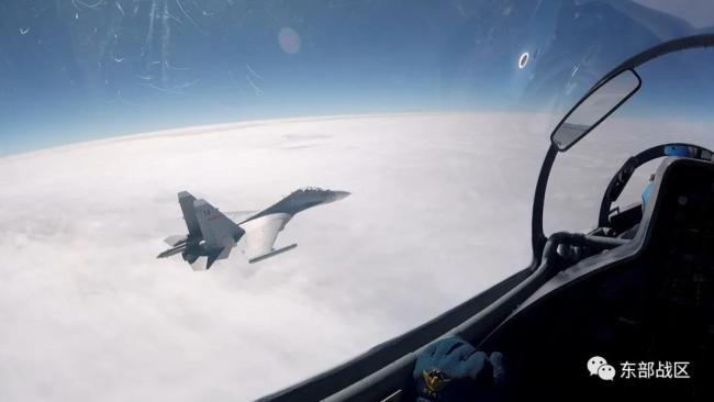 """惊艳!飞行员拍的""""云照片"""",超乎你想象"""