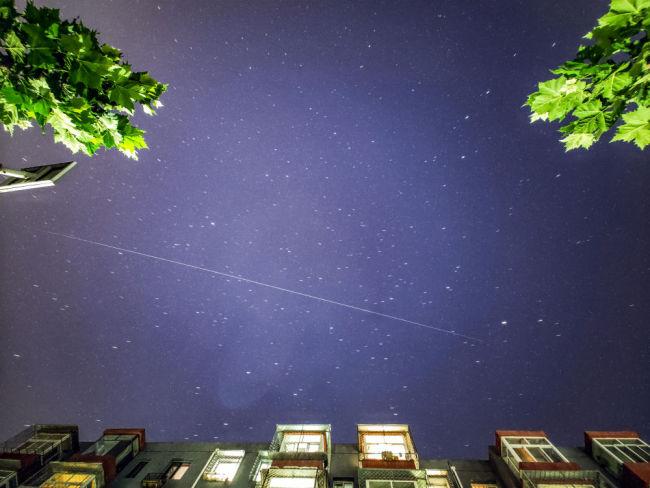 天和核心舱过境,天文爱好者争睹其风采