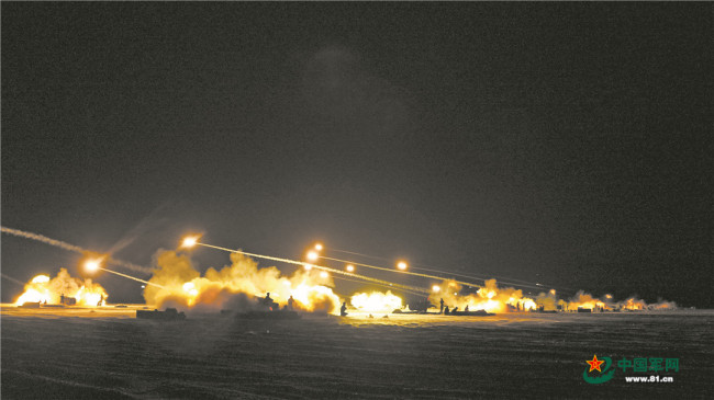 战炮怒吼!直击第74集团军某旅炮兵营实弹考核演练