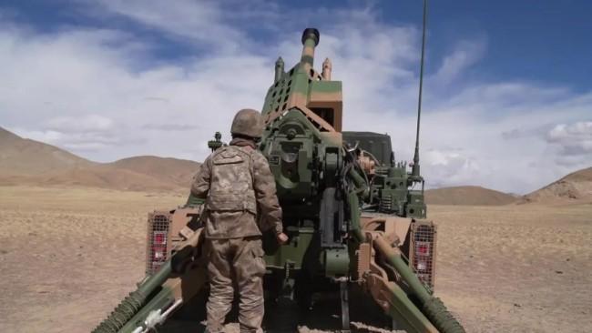 海拔4500米 新型车载榴弹炮多弹种实弹射击训练!