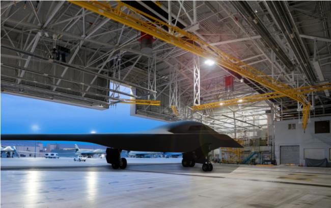 B-21轰炸机首个基地正式确认,当地经济面临机遇