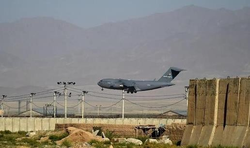 美军高调进驻又仓皇撤离 巴格拉姆见证阿富汗风云