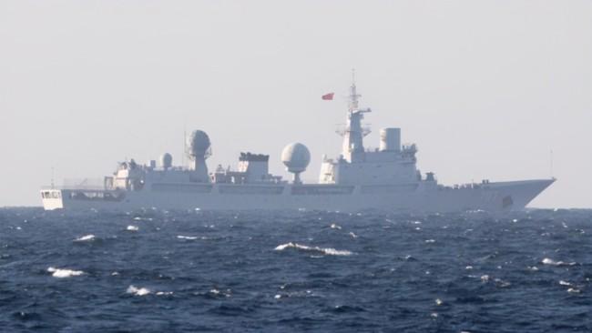 澳最大規模軍演開幕在即 中國海軍情報船又來了