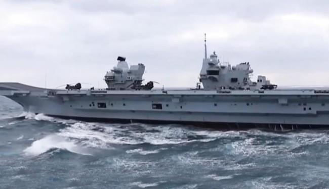 英航母编队进入南海 应警惕美舰擅闯中国领海