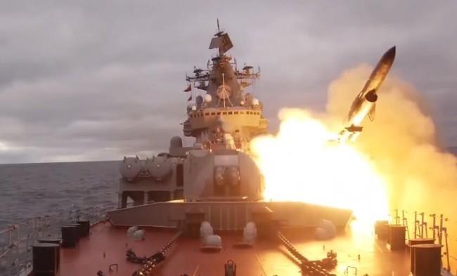 俄北方舰队:北约派出大批舰机监视俄军北极演习