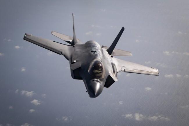 美司令:只要澳大利亚开口 F22和F35都可以派过去